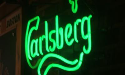 enseigne-lumineuse-neon-carlsberg-neolux